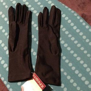 Isotoner stretch gloves